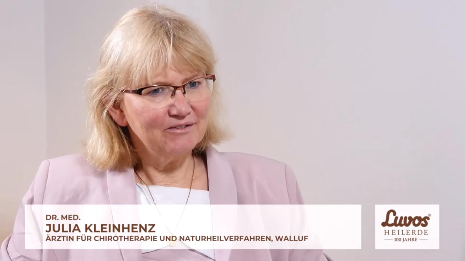 Screenshot von Dr. med. Julia Kleinhenz im Experteninterview dazu, wie sich Cholesterin ohne Nebenwirkungen senken lässt